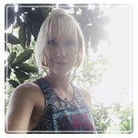 Laura Kohn, LMHC, CHt